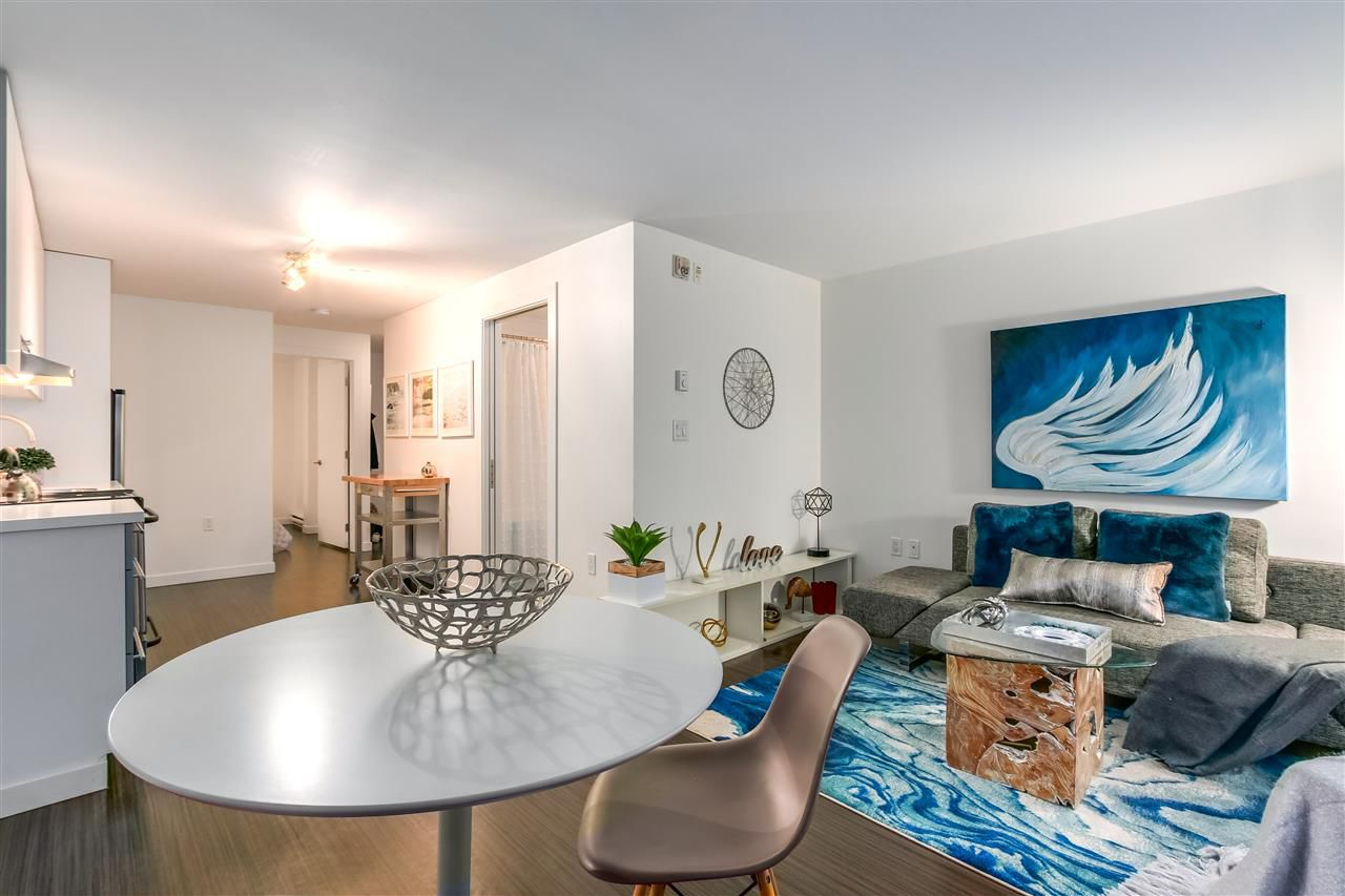 "Main Photo: 207 370 CARRALL Street in Vancouver: Downtown VE Condo for sale in ""21 DOORS"" (Vancouver East)  : MLS®# R2211876"