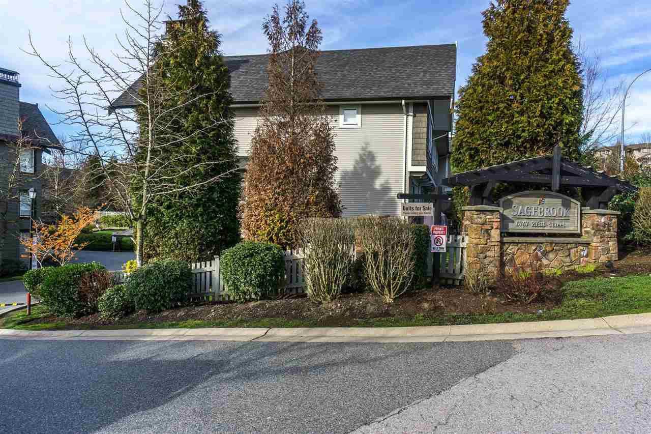 "Main Photo: 89 6747 203 Street in Langley: Willoughby Heights Townhouse for sale in ""SAGEBROOK"" : MLS®# R2239198"