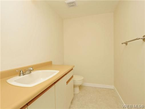 Main Photo: 204 1137 View Street in VICTORIA: Vi Downtown Residential for sale (Victoria)  : MLS®# 350110
