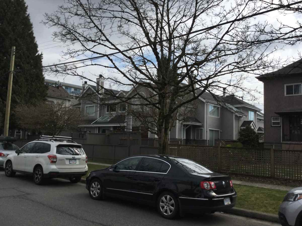 Main Photo: 160 E 17TH Avenue in Vancouver: Main Townhouse for sale (Vancouver East)  : MLS®# R2250243