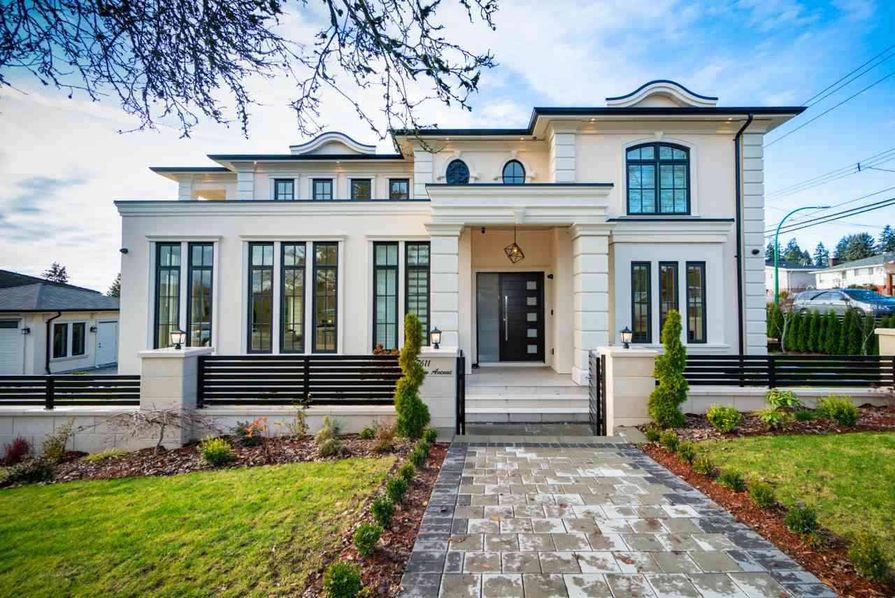 Main Photo: 7611 DOW Avenue in Burnaby: South Slope House for sale (Burnaby South)  : MLS®# R2325673