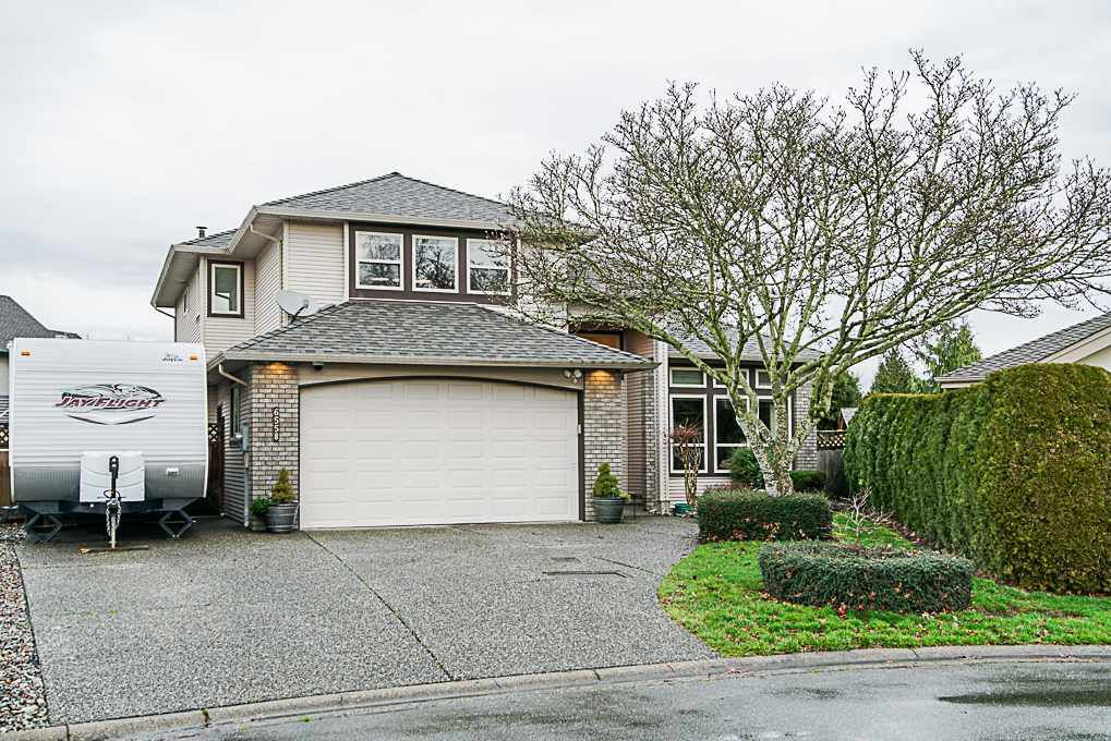 "Main Photo: 6558 187A Street in Surrey: Cloverdale BC House for sale in ""CHARTWELL ESTATES"" (Cloverdale)  : MLS®# R2331442"