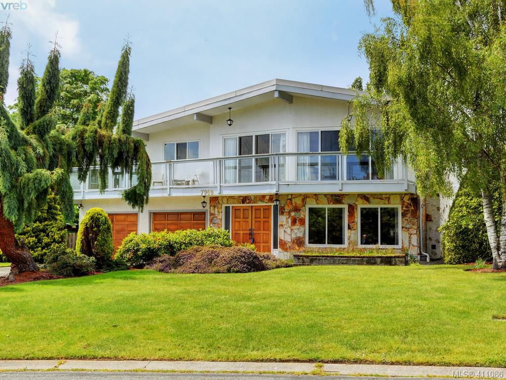 Main Photo: 7960 SEE SEA Place in SAANICHTON: CS Saanichton Single Family Detached for sale (Central Saanich)  : MLS®# 411086