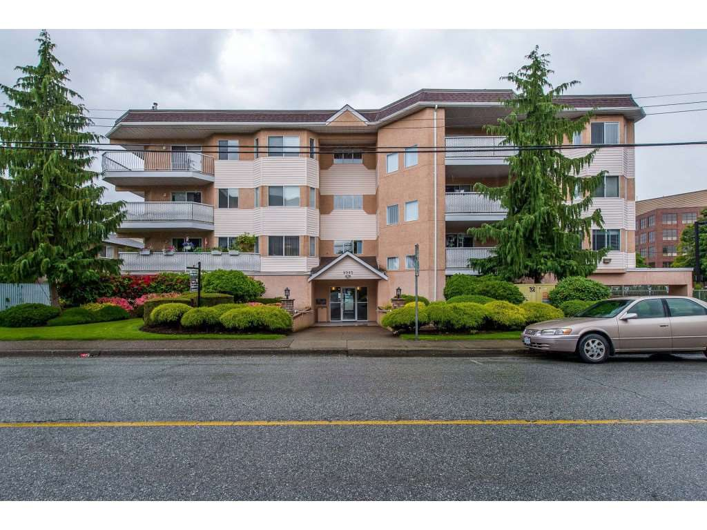 "Main Photo: 302 8985 MARY Street in Chilliwack: Chilliwack W Young-Well Condo for sale in ""CARRINGTON COURT"" : MLS®# R2379308"