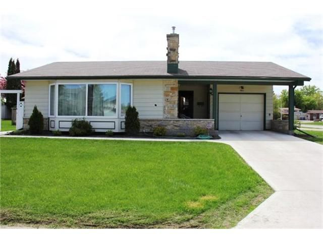 Main Photo: 3 Sweetwater Bay in WINNIPEG: Windsor Park / Southdale / Island Lakes Residential for sale (South East Winnipeg)  : MLS®# 1311130