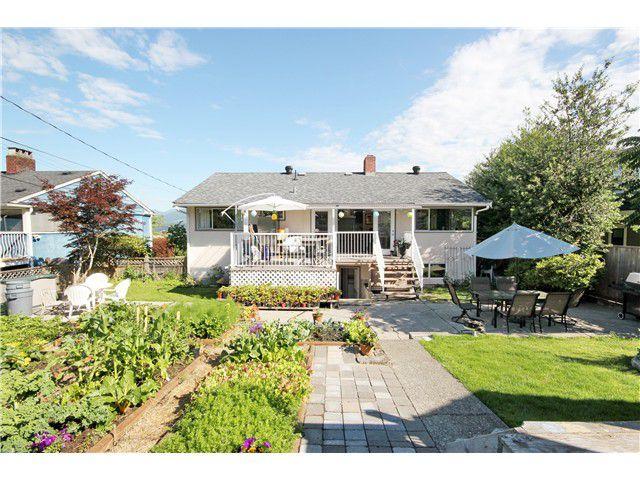"Main Photo: 7034 MALIBU Drive in Burnaby: Westridge BN House for sale in ""BURNABY NORTH WESTRIDGE"" (Burnaby North)  : MLS®# V1094319"