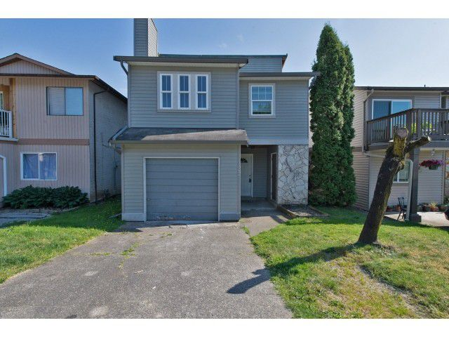 "Main Photo: 122 SPRINGFIELD Drive in Langley: Aldergrove Langley House for sale in ""SPRINGFIELD"" : MLS®# F1441638"