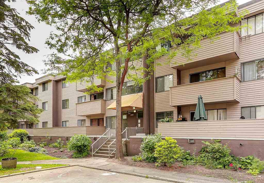 Main Photo: 2 2441 KELLY Avenue in Port Coquitlam: Central Pt Coquitlam Condo for sale : MLS®# R2064949
