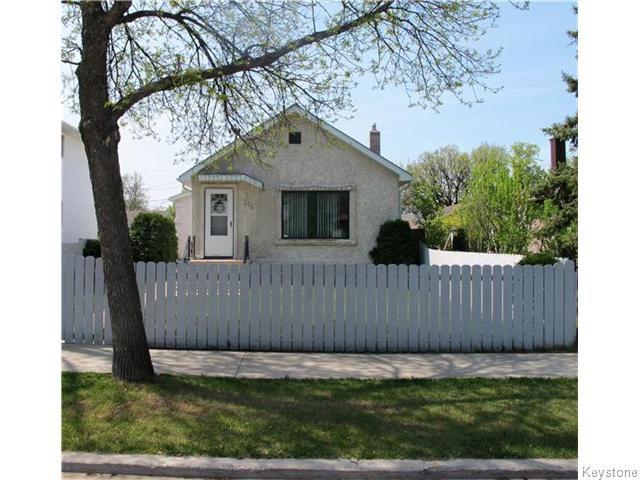 Main Photo:  in Winnipeg: East Kildonan Residential for sale (North East Winnipeg)  : MLS®# 1613040