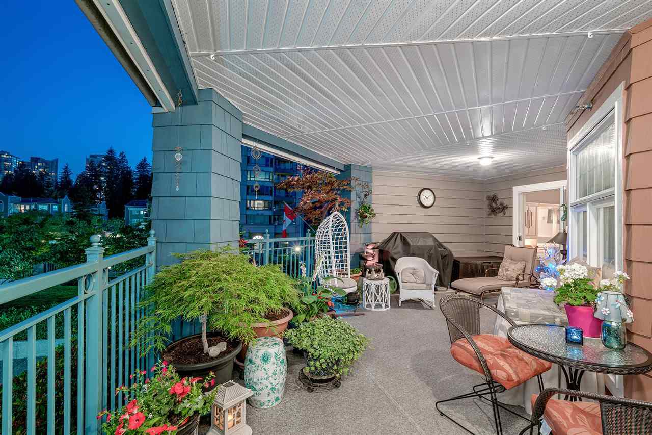 """Main Photo: 215 1200 EASTWOOD Street in Coquitlam: North Coquitlam Condo for sale in """"LAKESIDE TARRACE"""" : MLS®# R2186277"""