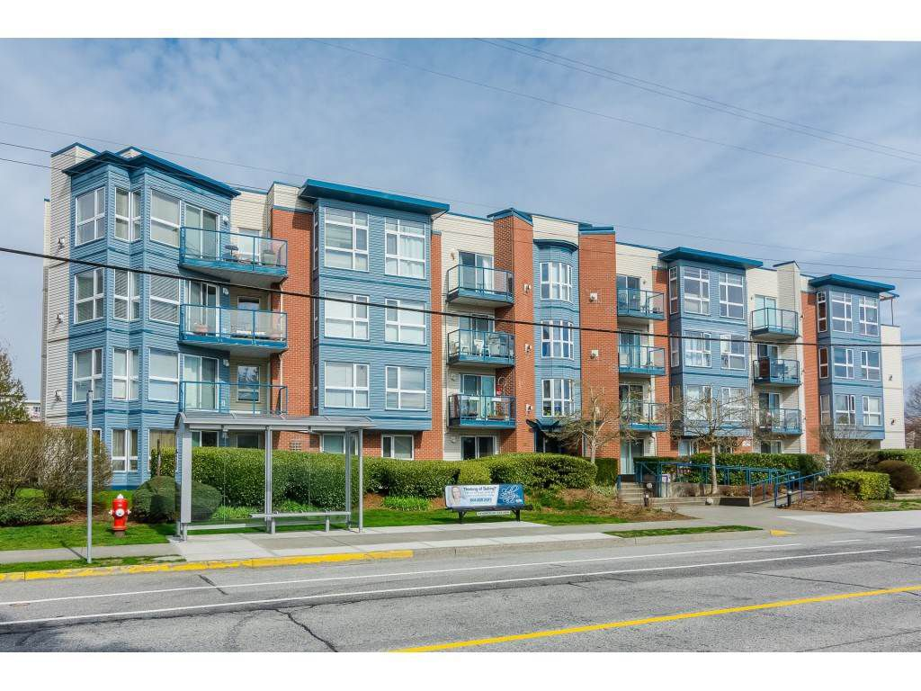 """Main Photo: 404 20277 53 Avenue in Langley: Langley City Condo for sale in """"Metro ll"""" : MLS®# R2249750"""