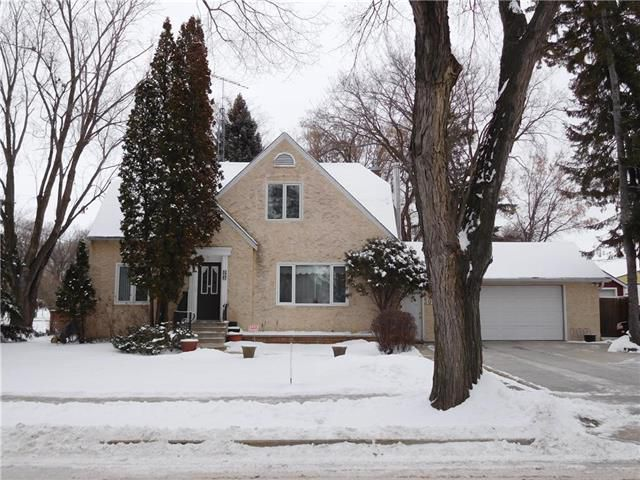 Main Photo: 303 ELM Avenue in Steinbach: R16 Residential for sale : MLS®# 1831127