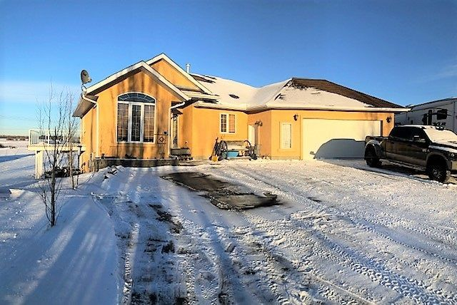 Main Photo: #38, 52001 Range Road 275: Rural Parkland County House for sale : MLS®# E4139758