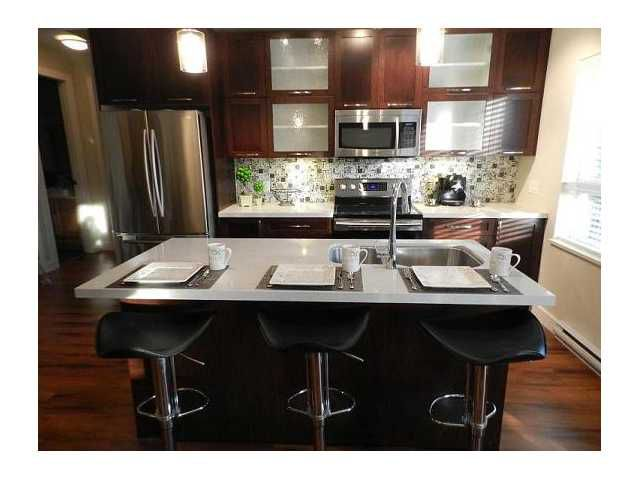 """Main Photo: 403 2138 OLD DOLLARTON Road in North Vancouver: Seymour Condo for sale in """"MAPLEWOOD NORTH"""" : MLS®# V902279"""