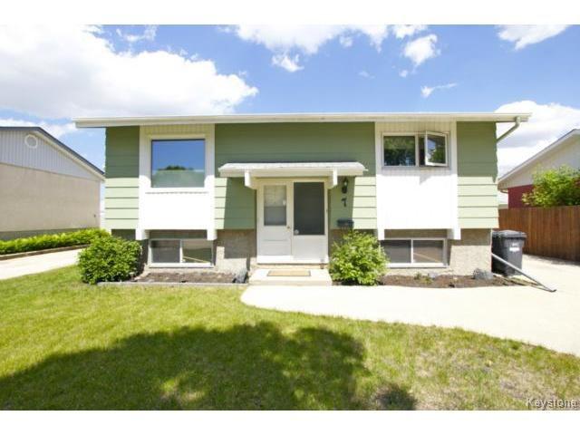 Main Photo: 7 Meighen Bay in WINNIPEG: East Kildonan Residential for sale (North East Winnipeg)  : MLS®# 1413076