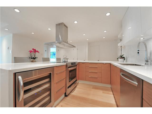 """Main Photo: 502 1490 PENNYFARTHING Drive in Vancouver: False Creek Condo for sale in """"HARBOUR COVE 3"""" (Vancouver West)  : MLS®# V1071646"""