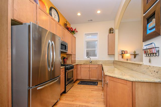 Photo 6: Photos: 2851 Shakespeare Avenue Unit 3 in CHICAGO: CHI - Logan Square Condo, Co-op, Townhome for sale ()  : MLS®# 09090303