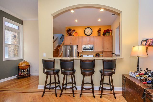 Photo 9: Photos: 2851 Shakespeare Avenue Unit 3 in CHICAGO: CHI - Logan Square Condo, Co-op, Townhome for sale ()  : MLS®# 09090303