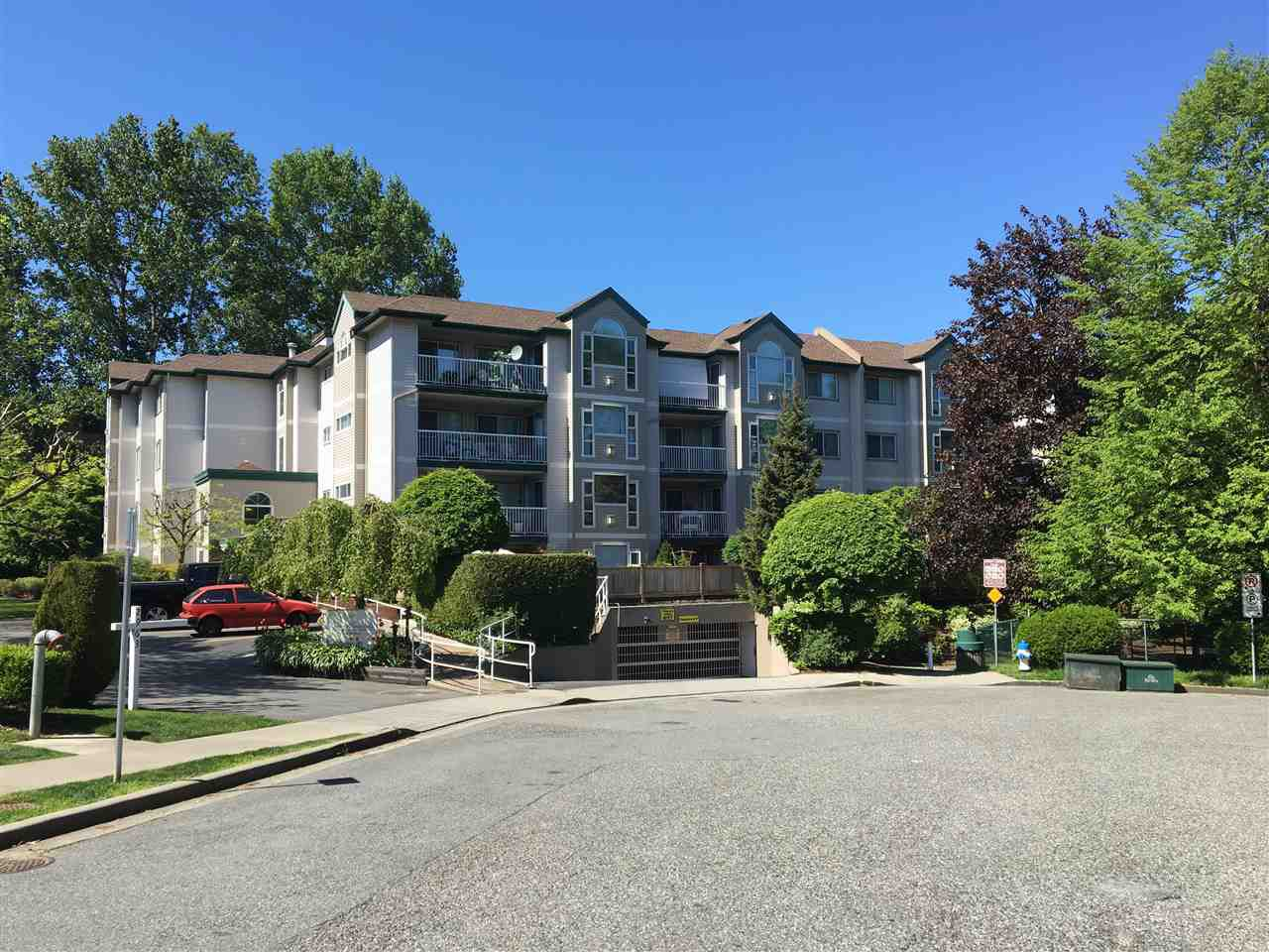 "Main Photo: 204 2963 NELSON Place in Abbotsford: Central Abbotsford Condo for sale in ""Bramblewoods"" : MLS®# R2059886"