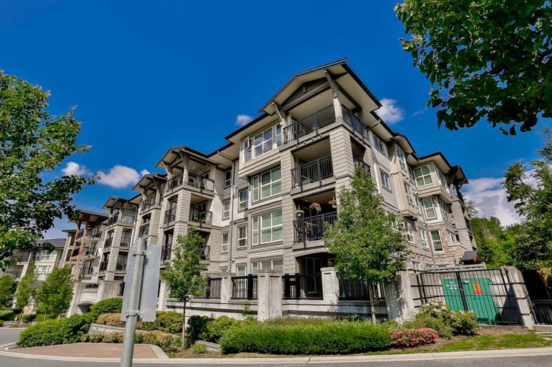 "Main Photo: 410 3050 DAYANEE SPRINGS Boulevard in Coquitlam: Westwood Plateau Condo for sale in ""DAYANEE SPRINGS"" : MLS®# R2062695"