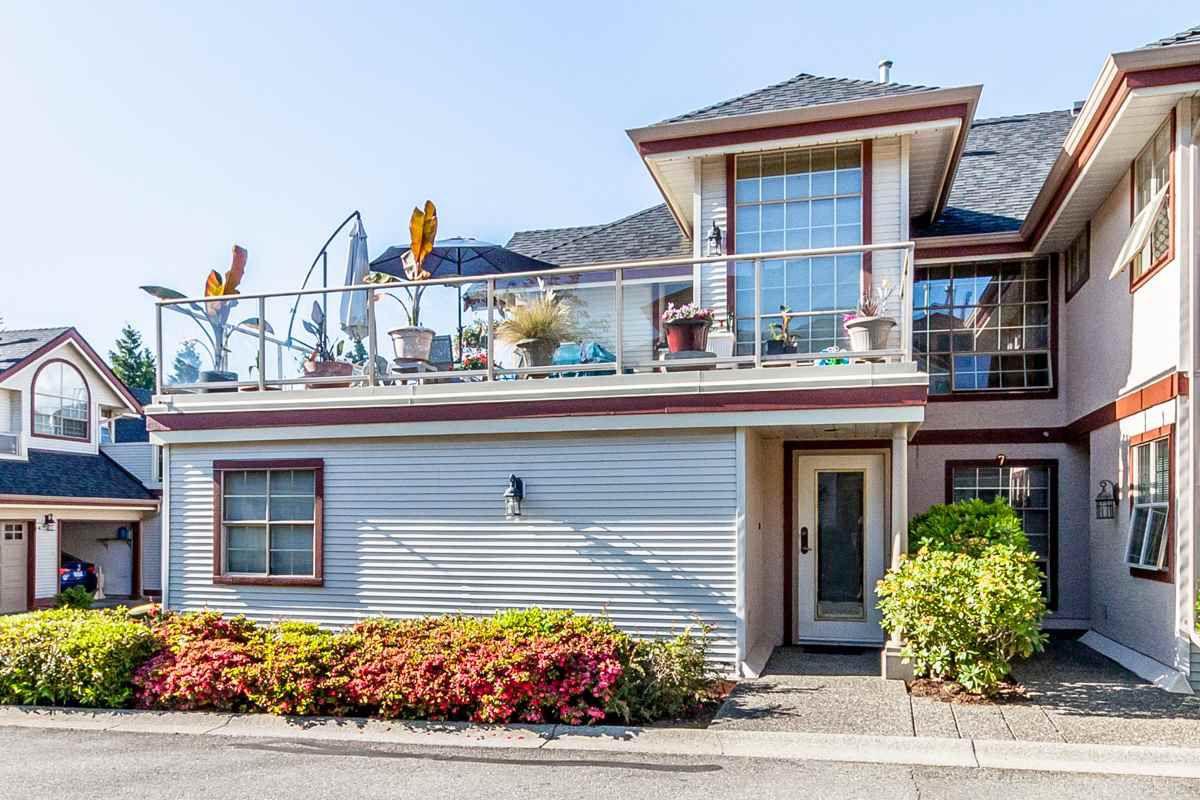 "Main Photo: 8 8855 212 Street in Langley: Walnut Grove Townhouse for sale in ""GOLDEN RIDGE"" : MLS®# R2068226"
