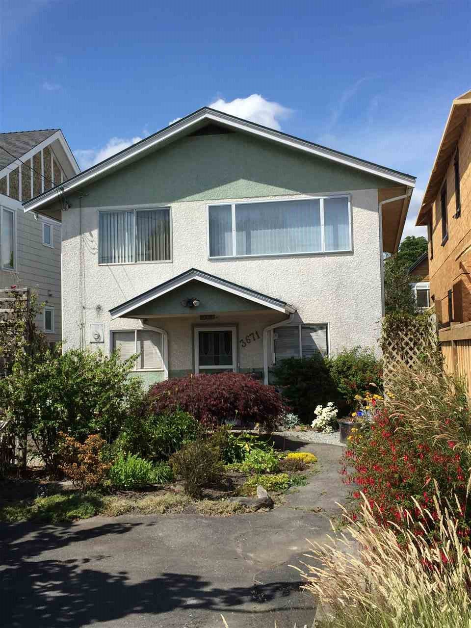 "Main Photo: 3671 BROADWAY Street in Richmond: Steveston Village House for sale in ""STEVESTON VILLAGE"" : MLS®# R2083775"