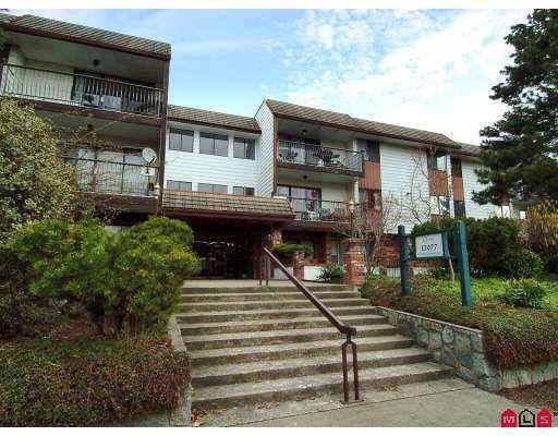 """Main Photo: 102 13977 74 Avenue in Surrey: East Newton Condo for sale in """"Glenco Estates"""" : MLS®# R2114087"""