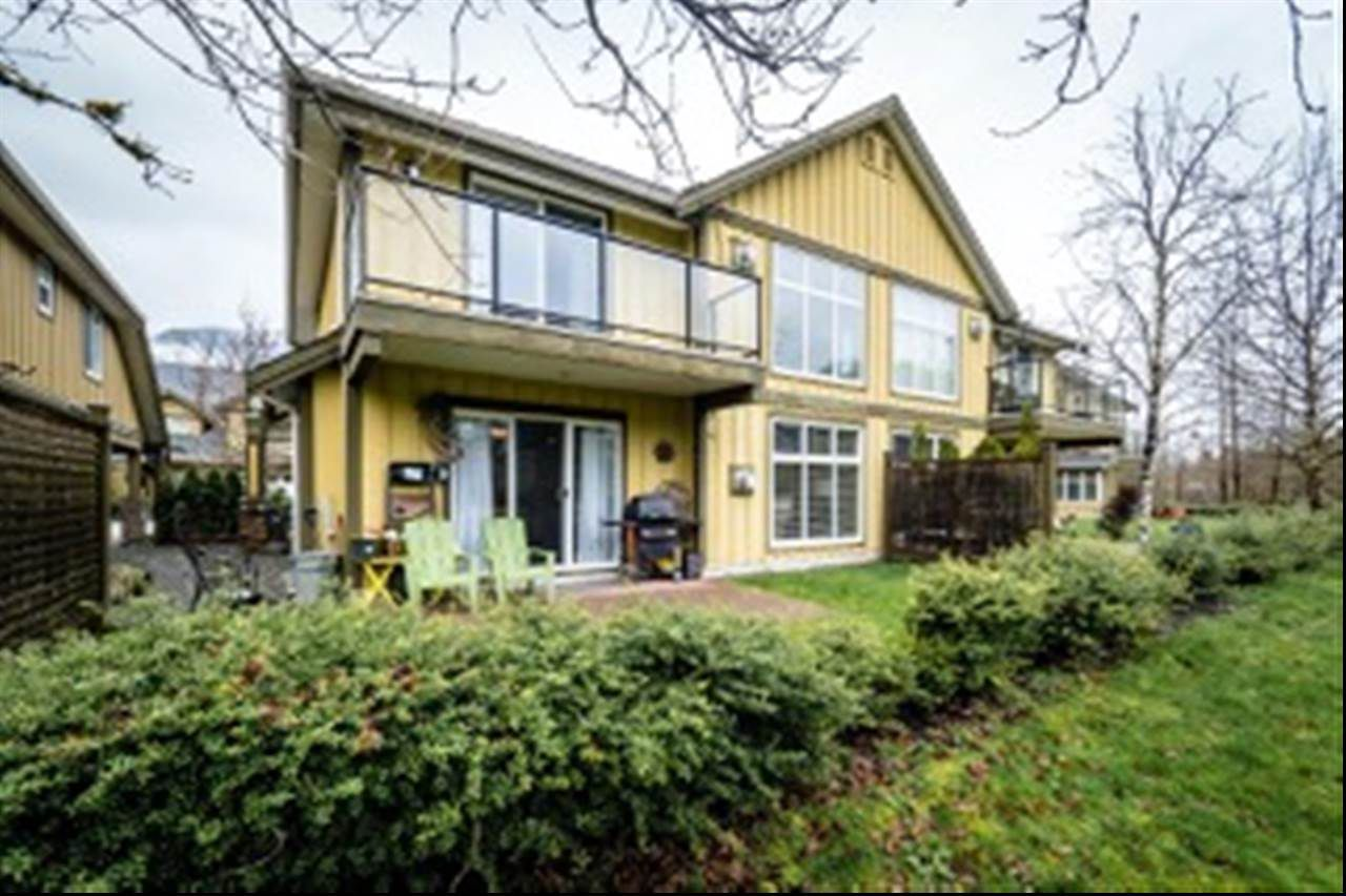 """Main Photo: 57 41050 TANTALUS Road in Squamish: Tantalus Townhouse for sale in """"Greenside Estates"""" : MLS®# R2154048"""