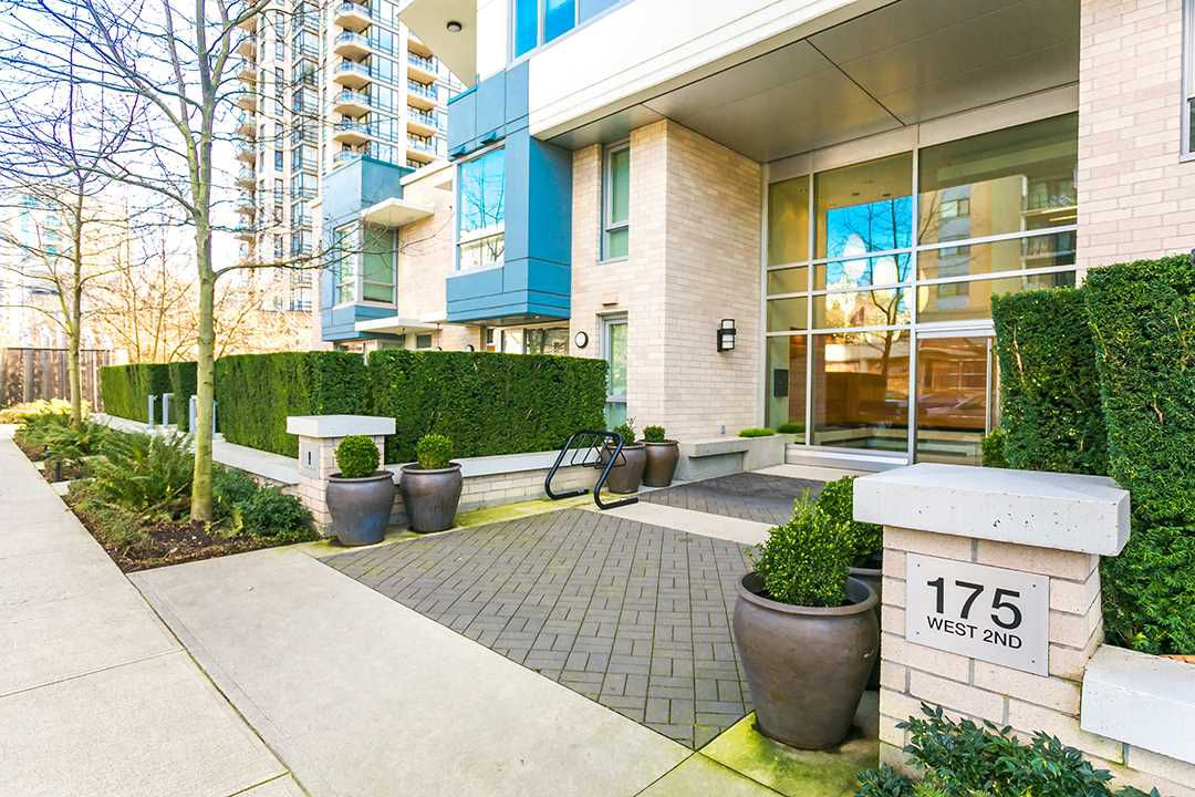 "Main Photo: 701 175 W 2ND Street in North Vancouver: Lower Lonsdale Condo for sale in ""Ventana"" : MLS®# R2155702"
