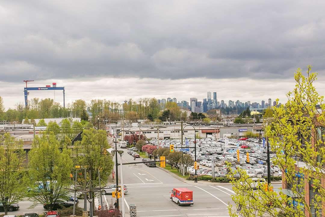 "Main Photo: 302 1085 W 17TH Street in North Vancouver: Pemberton NV Condo for sale in ""LLOYD REGENCY"" : MLS®# R2161114"