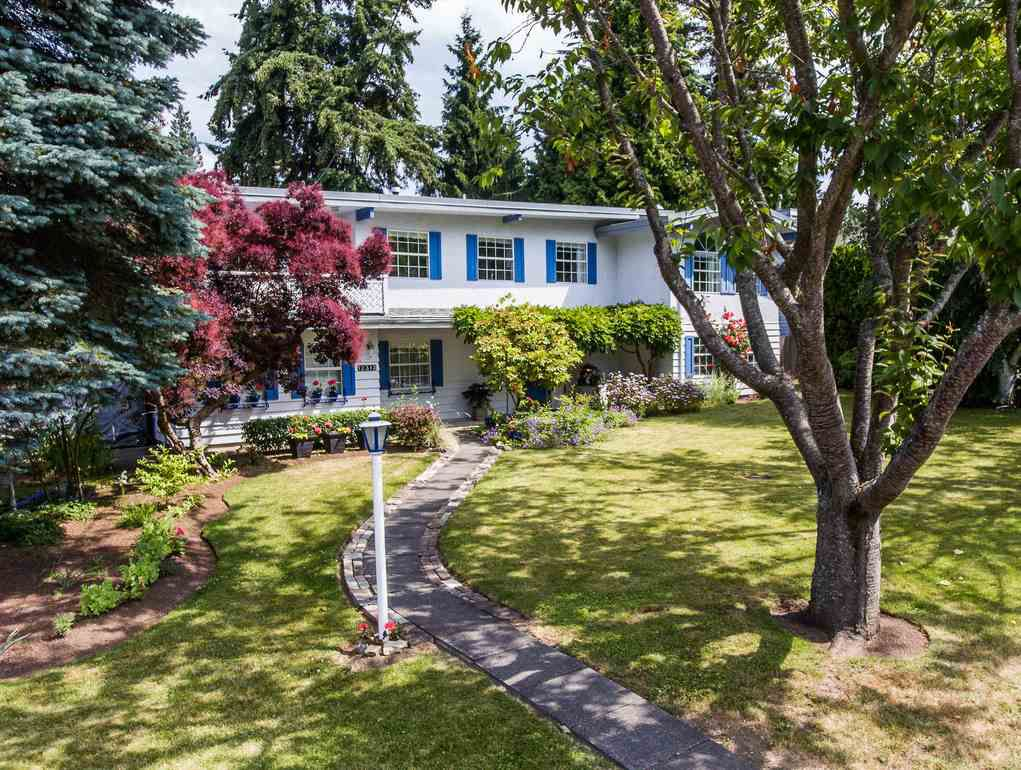 "Main Photo: 12313 22 Avenue in Surrey: Crescent Bch Ocean Pk. House for sale in ""Ocean Park"" (South Surrey White Rock)  : MLS®# R2322310"
