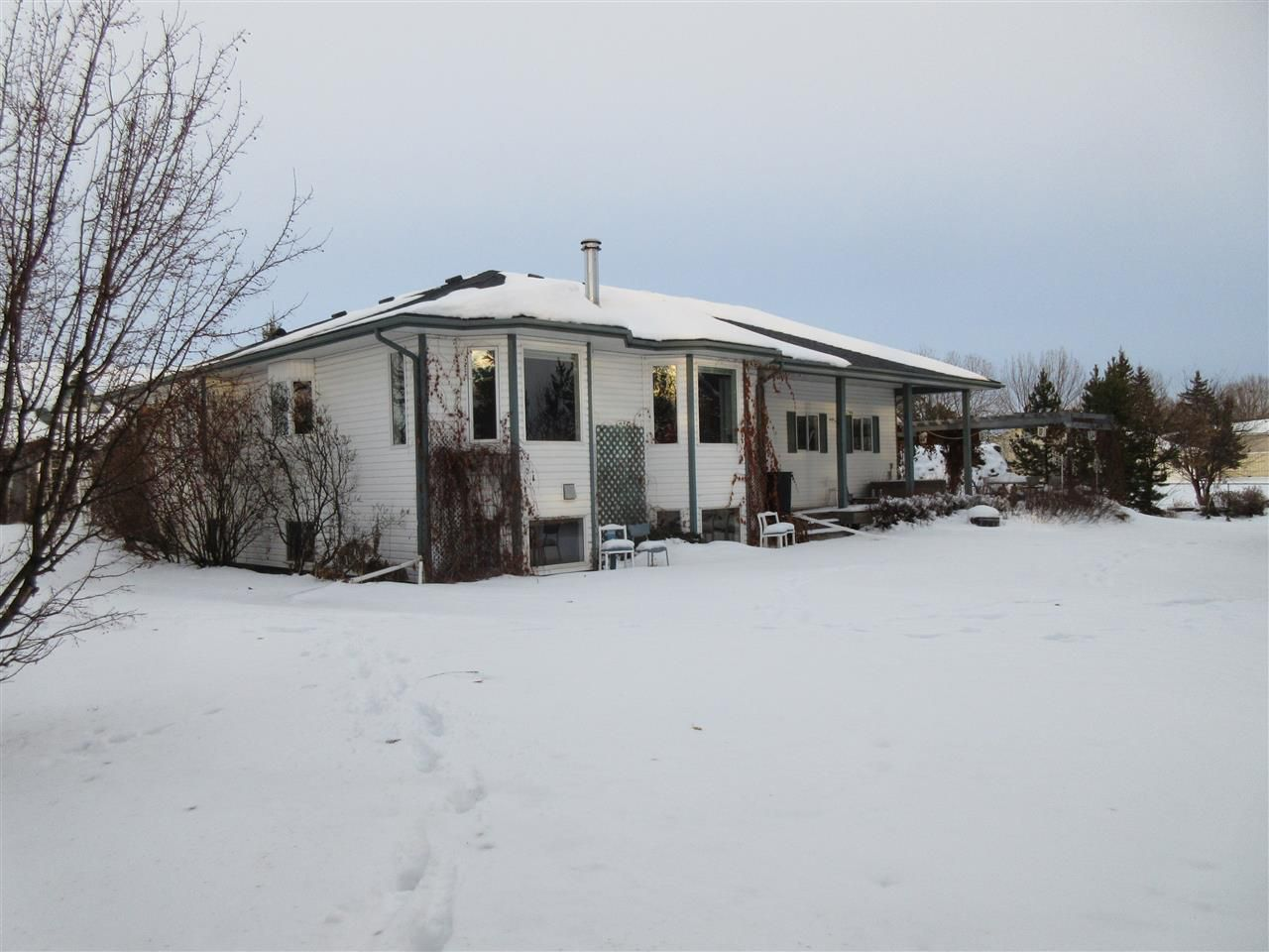 Main Photo: 25329 Twp Rd 560: Rural Sturgeon County House for sale : MLS®# E4137922