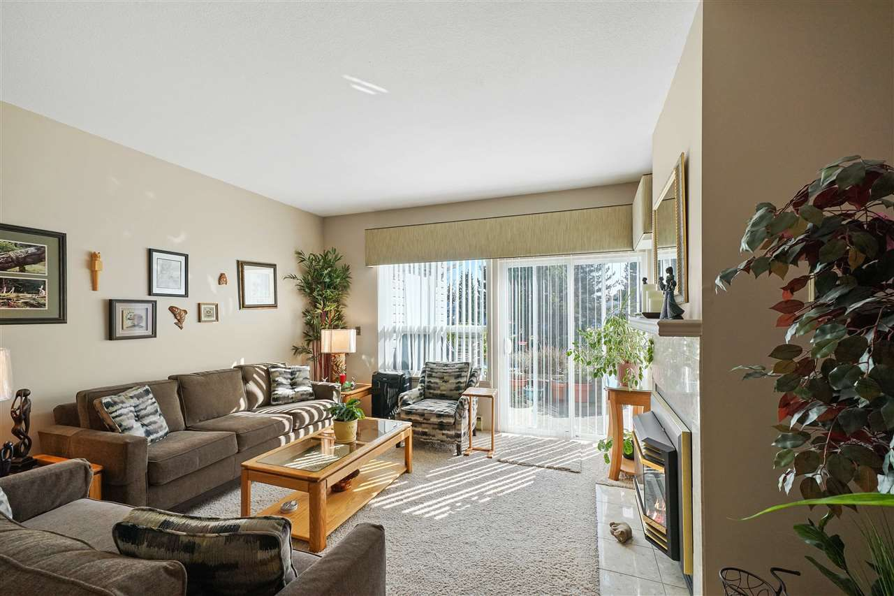 """Main Photo: 113 12233 92 Avenue in Surrey: Queen Mary Park Surrey Townhouse for sale in """"Orchard Lake"""" : MLS®# R2356015"""