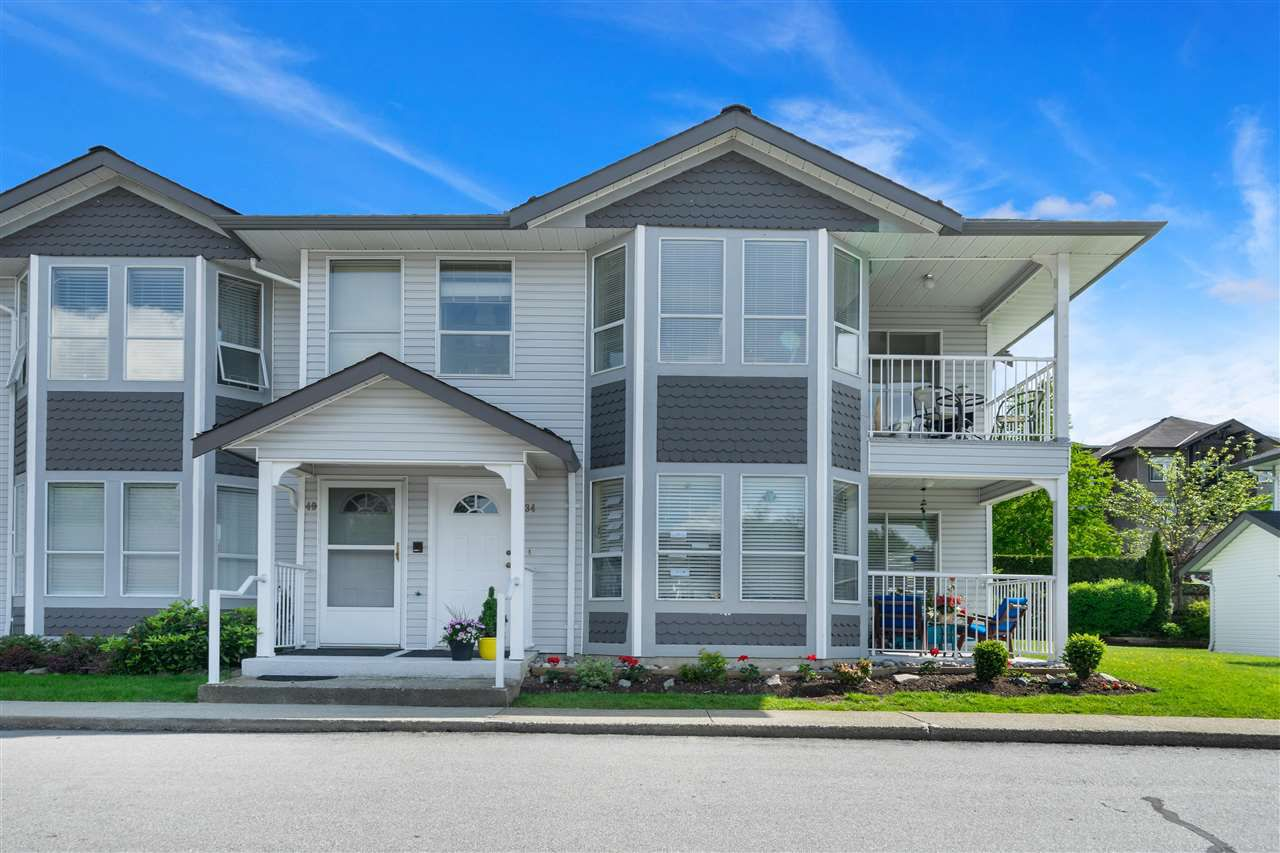 Main Photo: 40 12296 224 Street in Maple Ridge: East Central Condo for sale : MLS®# R2378494