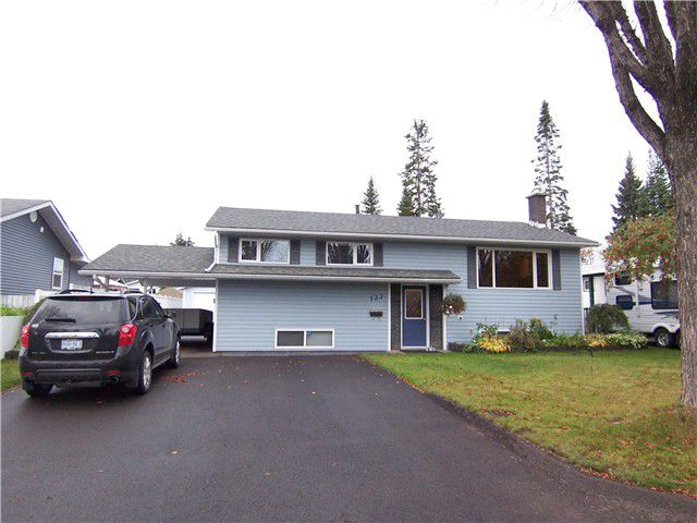 """Main Photo: 137 MCKENZIE Avenue in Prince George: Perry House for sale in """"CANDY CANE LANE"""" (PG City West (Zone 71))  : MLS®# N240275"""