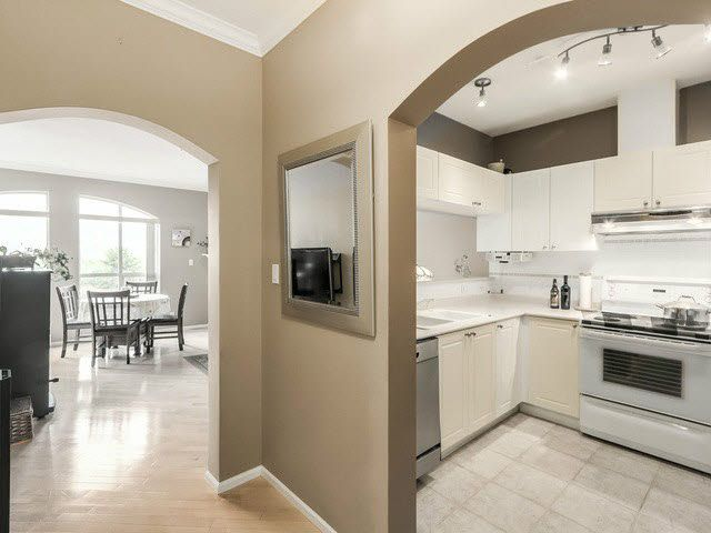 """Main Photo: PH13 511 W 7TH Avenue in Vancouver: Fairview VW Condo for sale in """"Beverly Gardens"""" (Vancouver West)  : MLS®# V1140622"""