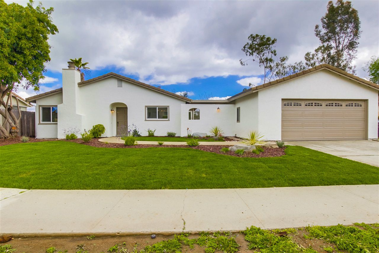 Main Photo: SOUTHWEST ESCONDIDO House for sale : 3 bedrooms : 2026 Arboles in Escondido
