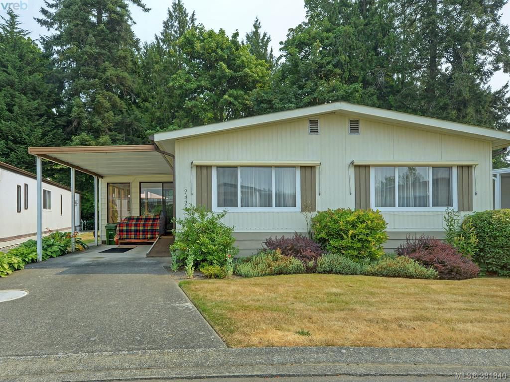 Main Photo: 9423 Brookwood Drive in SIDNEY: Si Sidney South-West Manu Double-Wide for sale (Sidney)  : MLS®# 381840