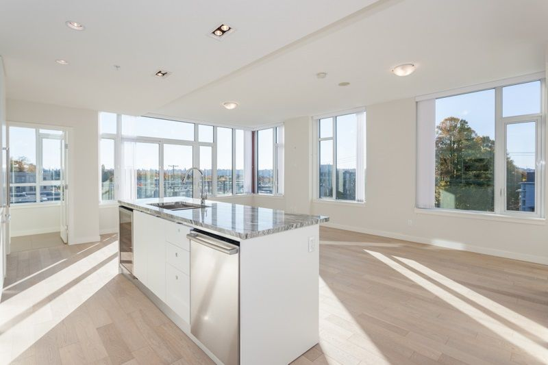 "Main Photo: 714 2033 W 10TH Avenue in Vancouver: Kitsilano Condo for sale in ""W10 & MAPLE AT ARBUTUS"" (Vancouver West)  : MLS®# R2218464"