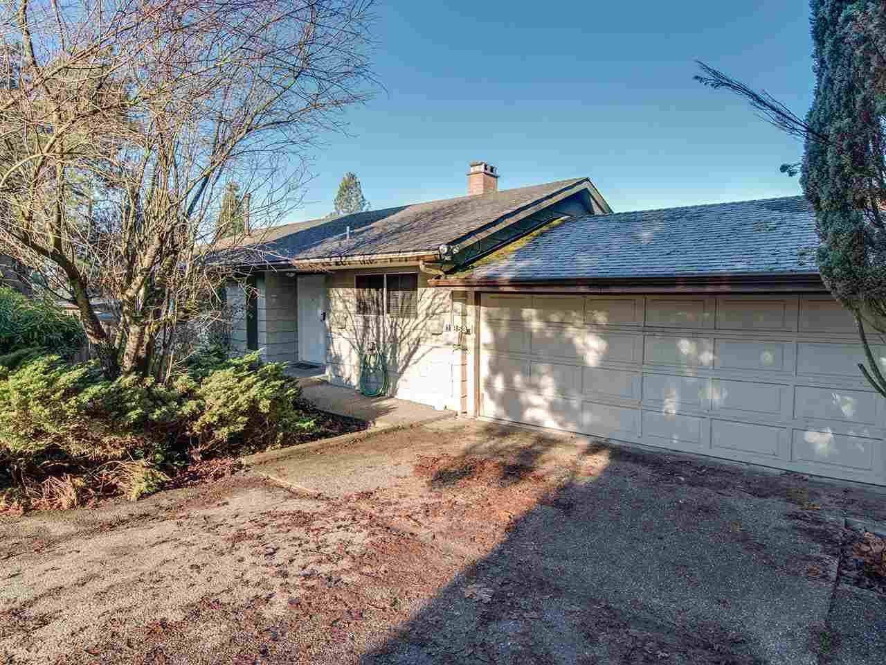 Main Photo: 11853 100 Avenue in Surrey: Royal Heights House for sale (North Surrey)  : MLS®# R2225662