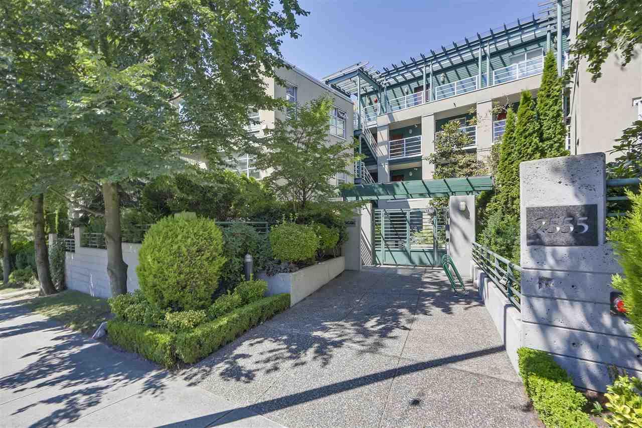 """Main Photo: 206 2555 W 4TH Avenue in Vancouver: Kitsilano Condo for sale in """"SEAGATE"""" (Vancouver West)  : MLS®# R2292277"""