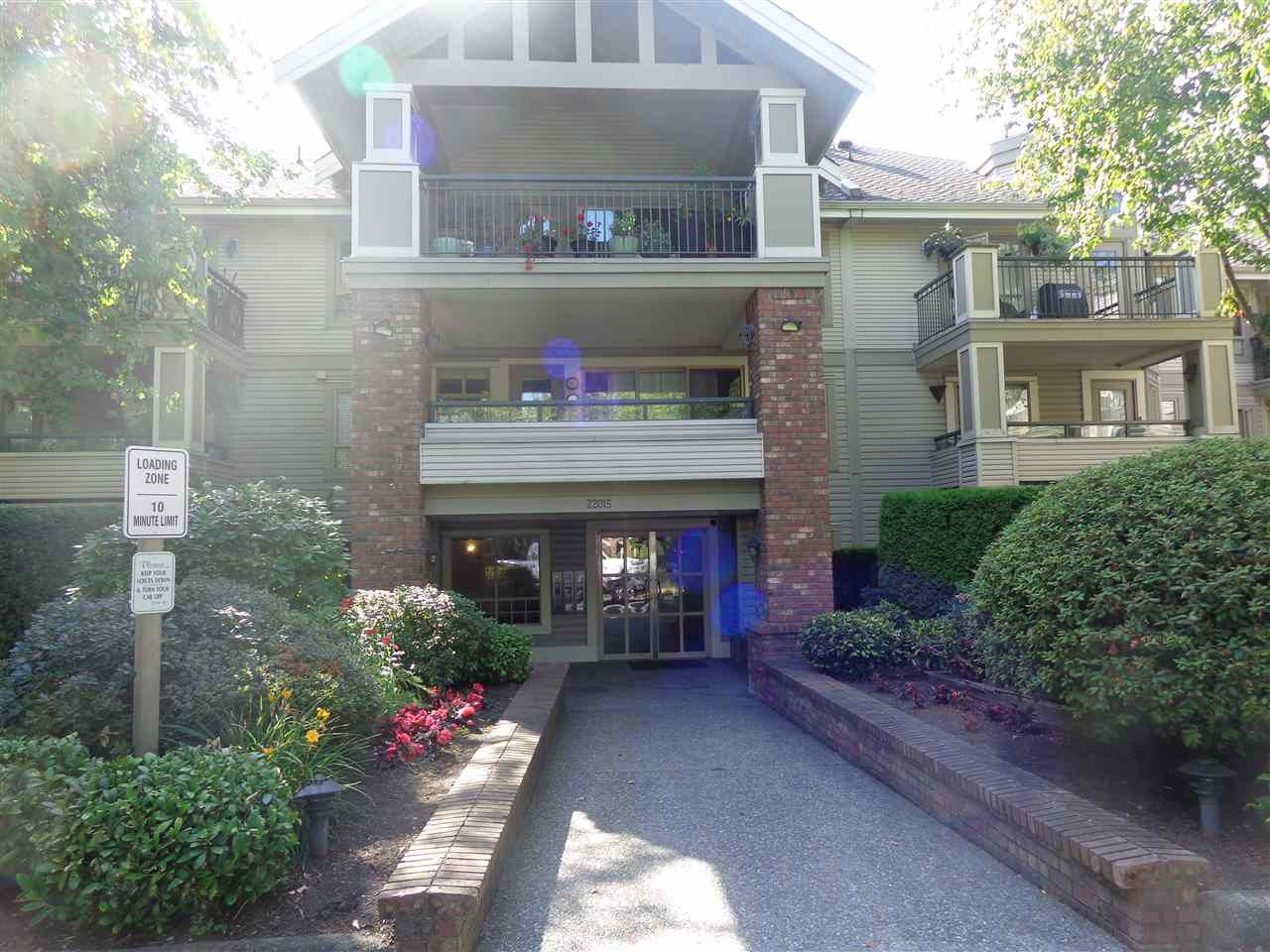 "Main Photo: 107 22015 48 Avenue in Langley: Murrayville Condo for sale in ""AUTUMN RIDGE"" : MLS®# R2295522"