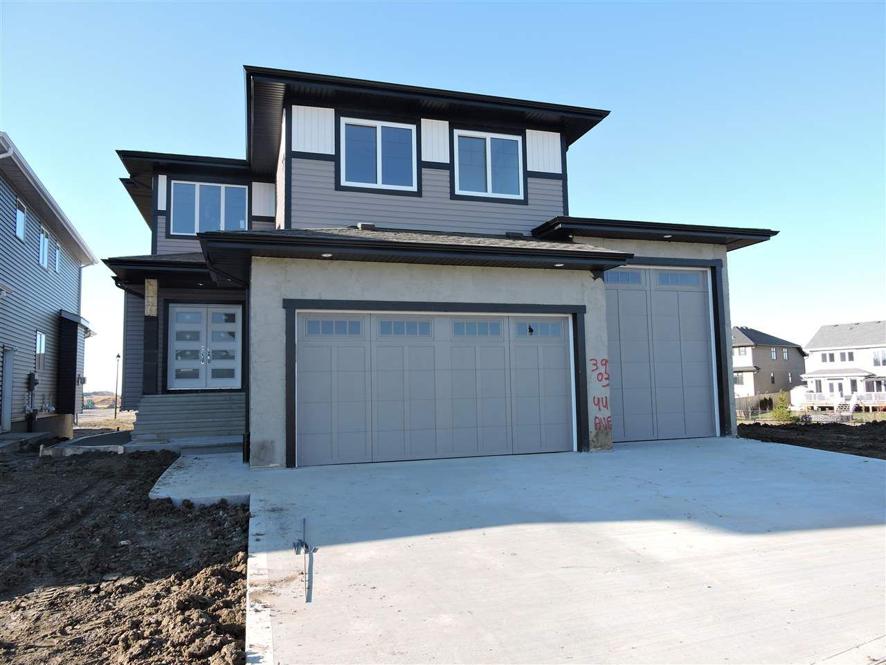 Main Photo: : Beaumont House for sale : MLS®# E4133680