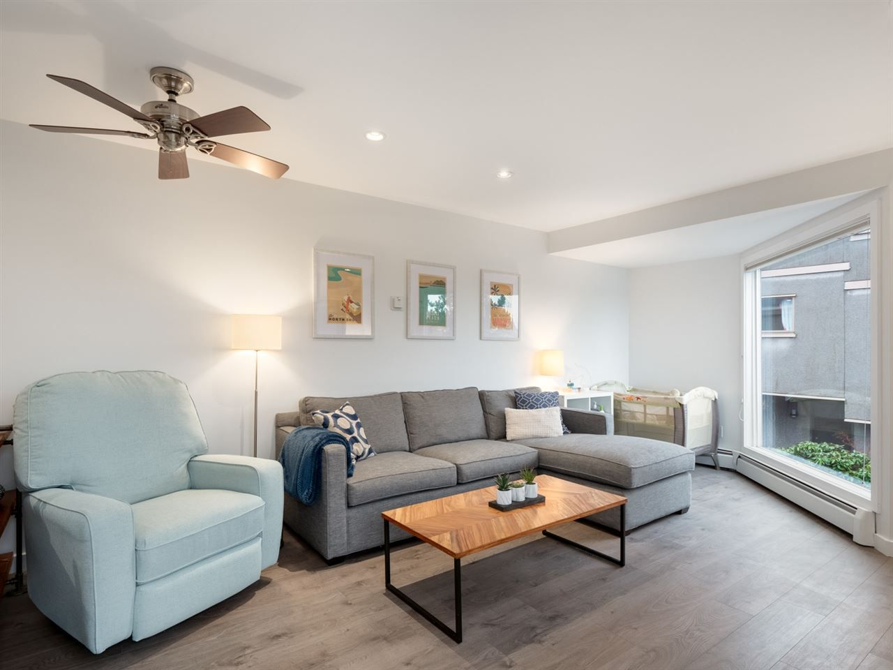 """Main Photo: 7 870 W 7TH Avenue in Vancouver: Fairview VW Townhouse for sale in """"Laurel Court"""" (Vancouver West)  : MLS®# R2337952"""