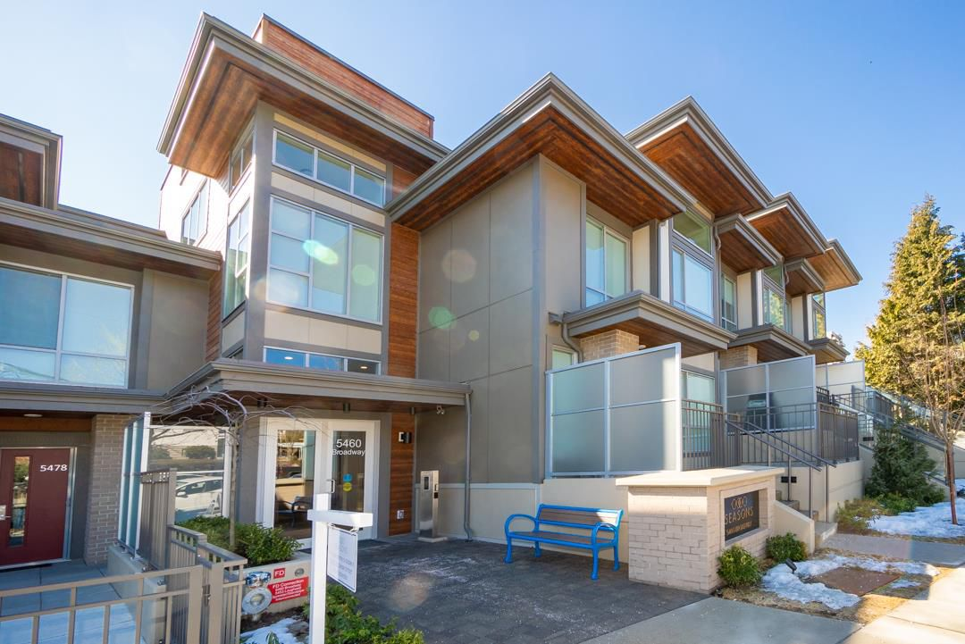 """Main Photo: 210 5460 BROADWAY in Burnaby: Parkcrest Condo for sale in """"SEASONS"""" (Burnaby North)  : MLS®# R2348910"""