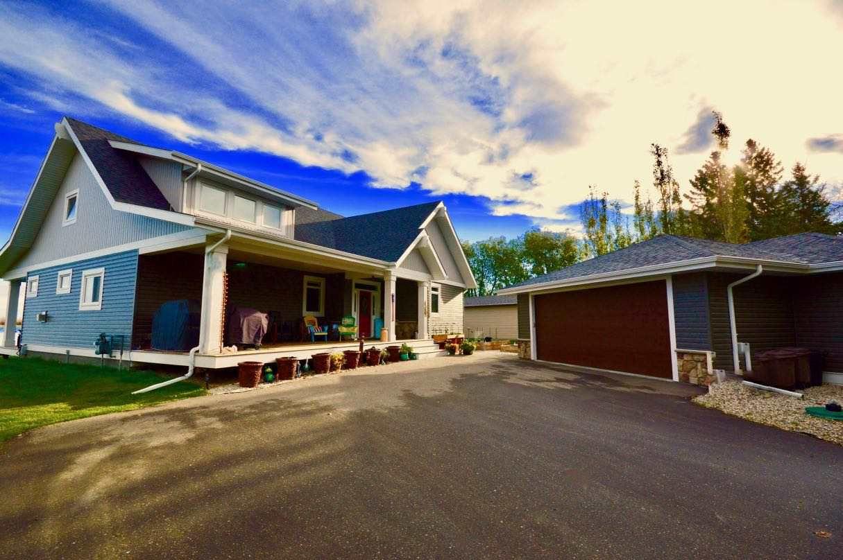 Photo 3: Photos: 17 Castle Island Road: Rural Lac Ste. Anne County House for sale : MLS®# E4152253