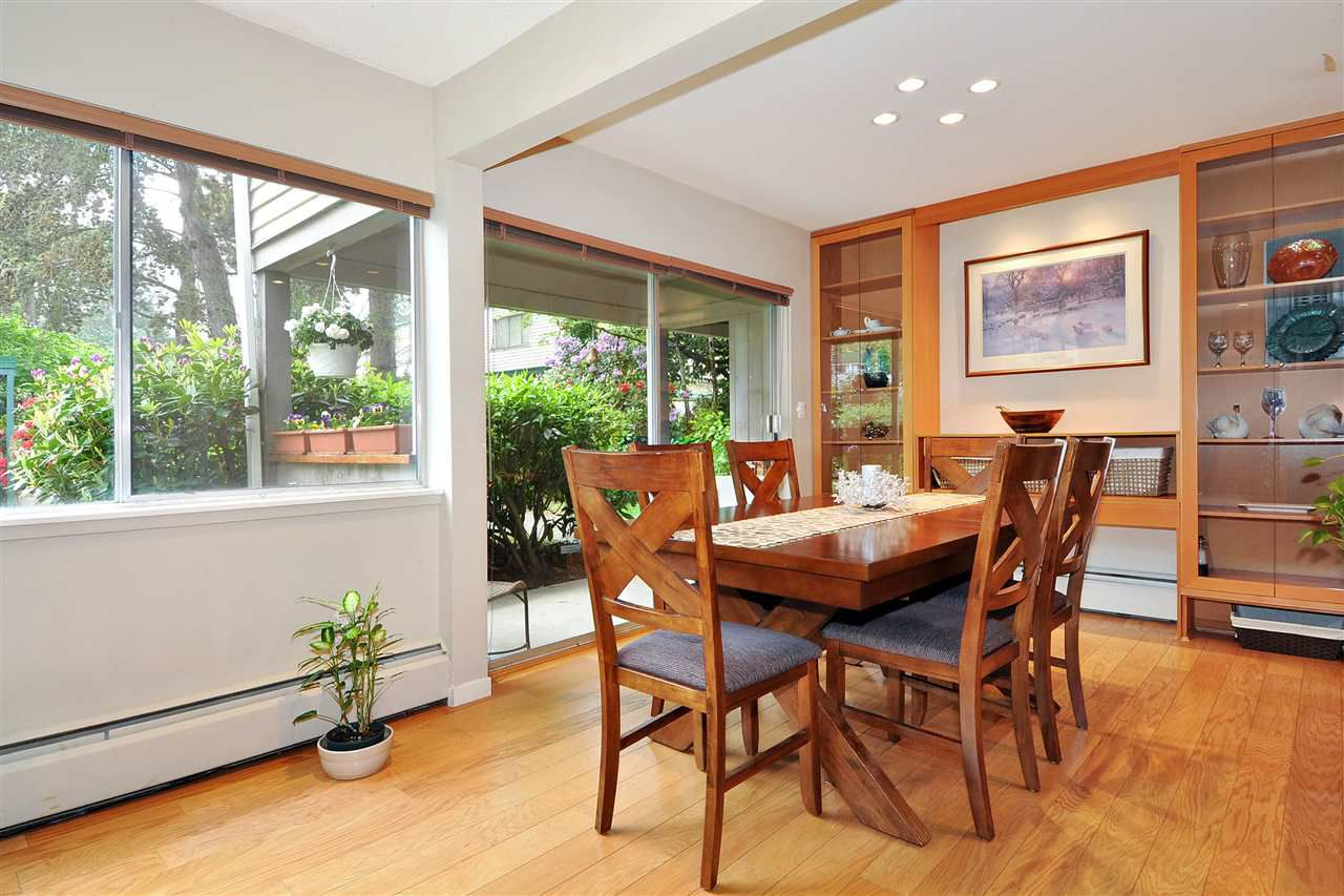 """Photo 5: Photos: 720 WESTVIEW Crescent in North Vancouver: Central Lonsdale Condo for sale in """"Cypress Gardens"""" : MLS®# R2370300"""