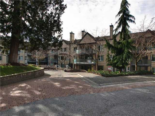 """Main Photo: 420 6707 SOUTHPOINT Drive in Burnaby: South Slope Condo for sale in """"Mission Woods"""" (Burnaby South)  : MLS®# V871813"""