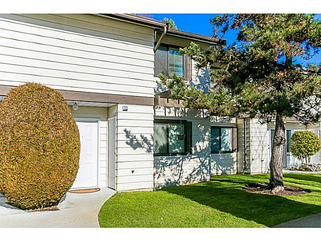 "Main Photo: 47 4800 TRIMARAN Drive in Richmond: Steveston South Townhouse for sale in ""BIRCHWOOD ESTATES"" : MLS®# V1047659"