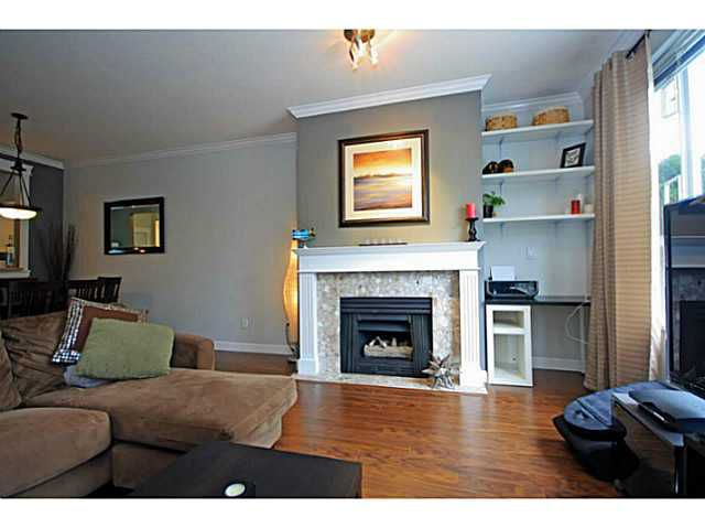 """Main Photo: 107 2340 HAWTHORNE Avenue in Port Coquitlam: Central Pt Coquitlam Condo for sale in """"BARRINGTON PLACE"""" : MLS®# V1097959"""